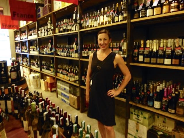The Warehouse Wine shop score in Hanoi